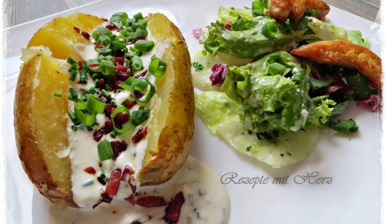Backkartoffel mit Sauerrahmcreme und Speck ♡