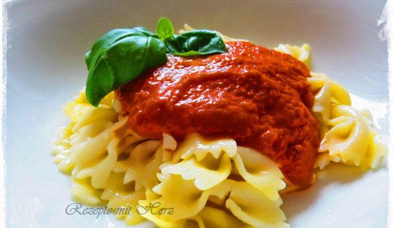 Fruchtige Tomatensoße für Pasta