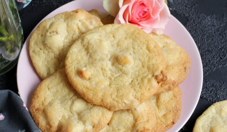 White Chocolate Macadamia Cookies a la Subway®