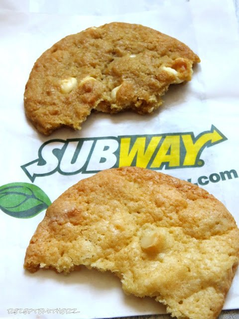 white chocolate macadamia cookies subway copycat. Black Bedroom Furniture Sets. Home Design Ideas