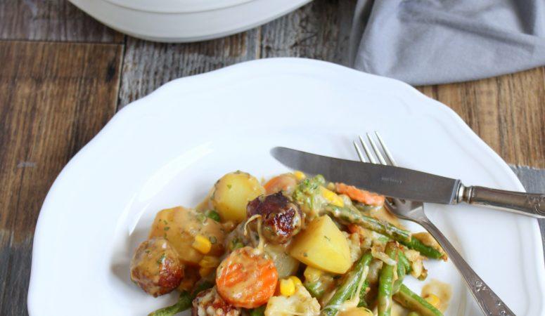 Kartoffel – Gemüse – Allerlei mit Fleischbällchen  überbacken