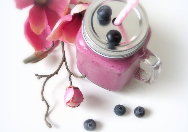 Beerenstarker Frühstücks-Smoothie