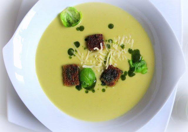 Rosenkohl – Cremesuppe mit Vollkorn – Croutons