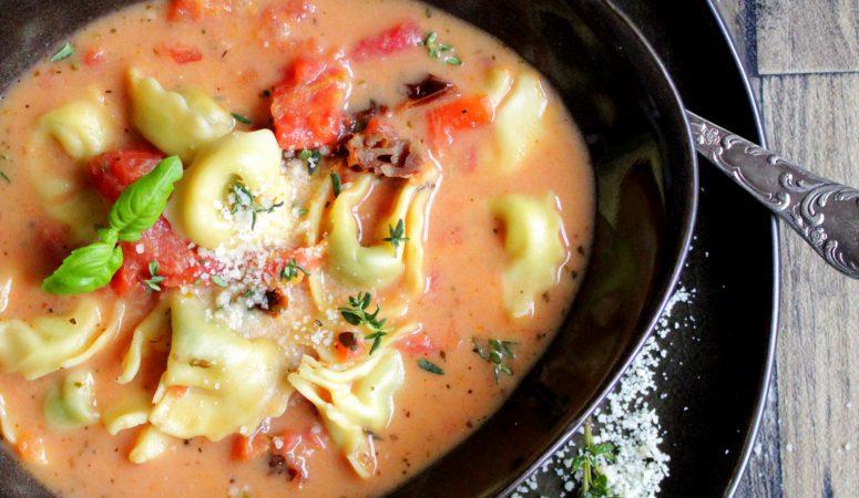 Tortellini – Tomaten – Suppe