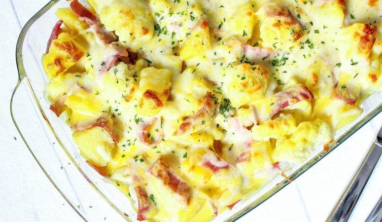 Blumenkohl-Kartoffel-Auflauf mit Schinken und Curry-Hollandaise