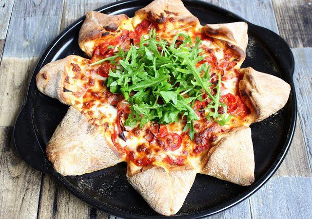 Pizzastern mit Tomaten, Mozzarella, Schinken & Rucola ♡
