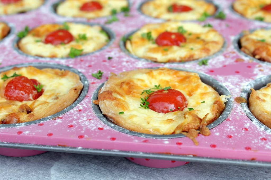 mini party quiches. Black Bedroom Furniture Sets. Home Design Ideas