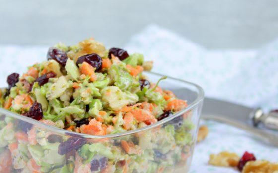 Brokkoli – Apfel – Salat mit Cranberries