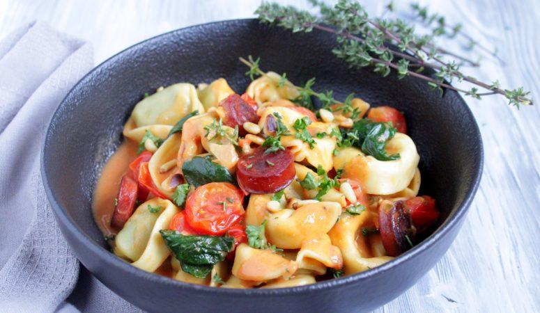 Tortellini mit Chorizo in Tomatenrahm