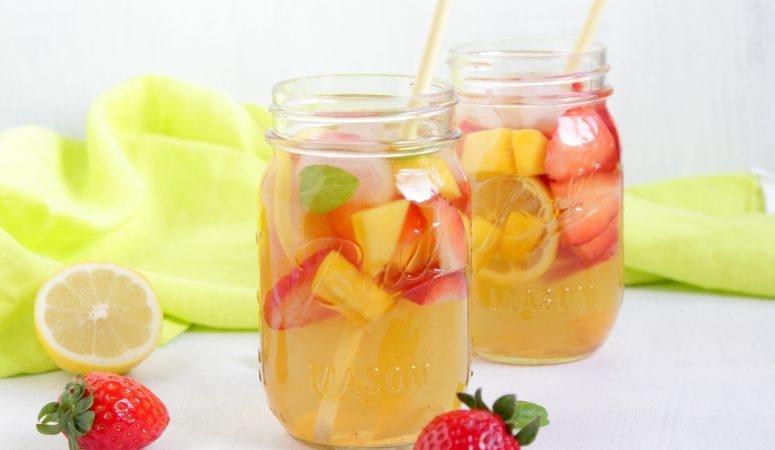 Erdbeer-Mango-Bowle