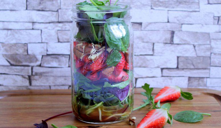 Sommersalat im Glas