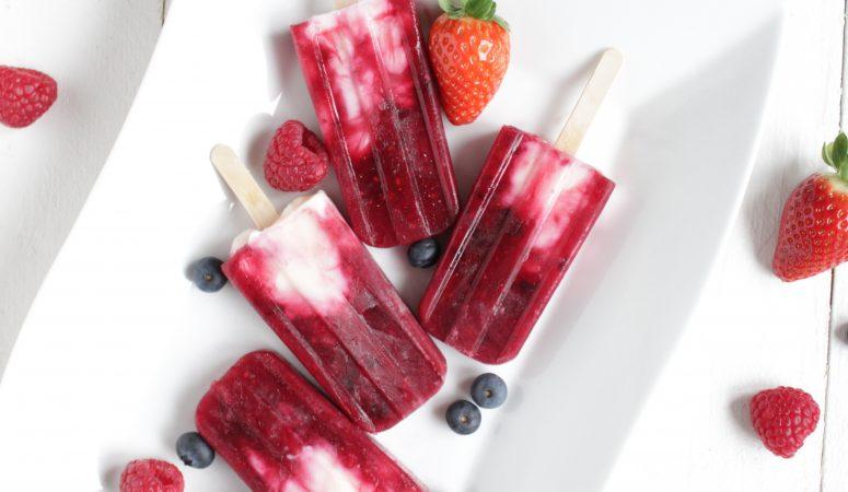 Beeren-Joghurt Popsicles