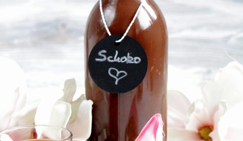 Schokoladen Eierlikör mit selbstgemachtem Schokosirup