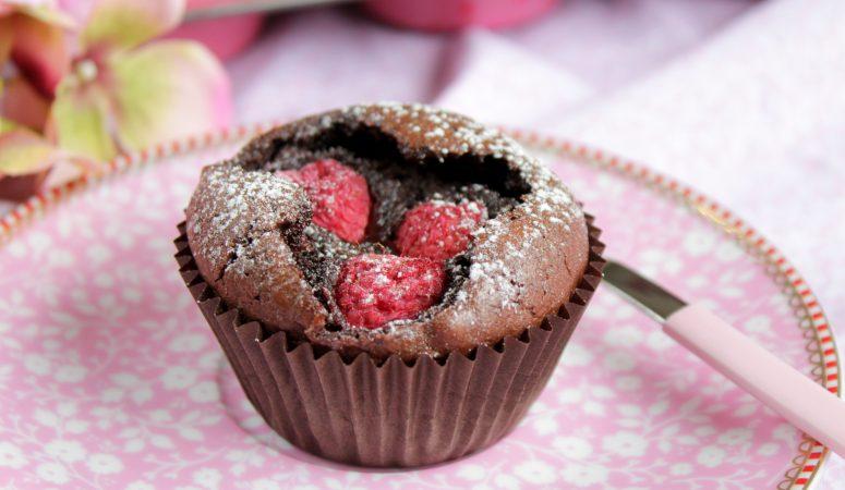 Brownie – Muffins mit Himbeeren