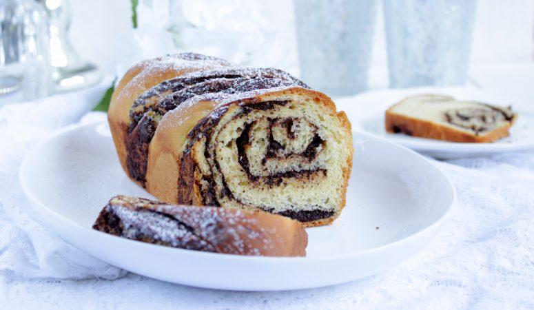 Chocolate Babka | Hefezopf mit Schokoladen-Nuss-Füllung