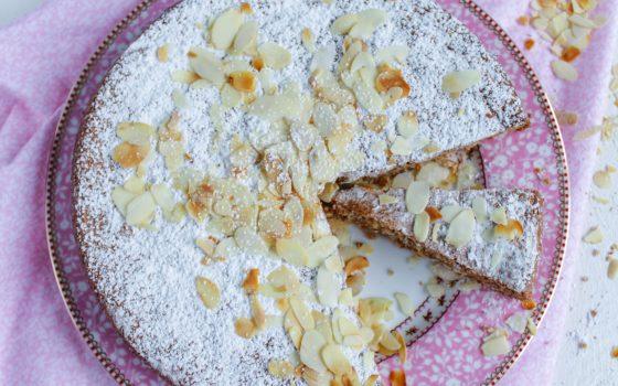 Mallorquinischer Mandelkuchen | Gató de almendra