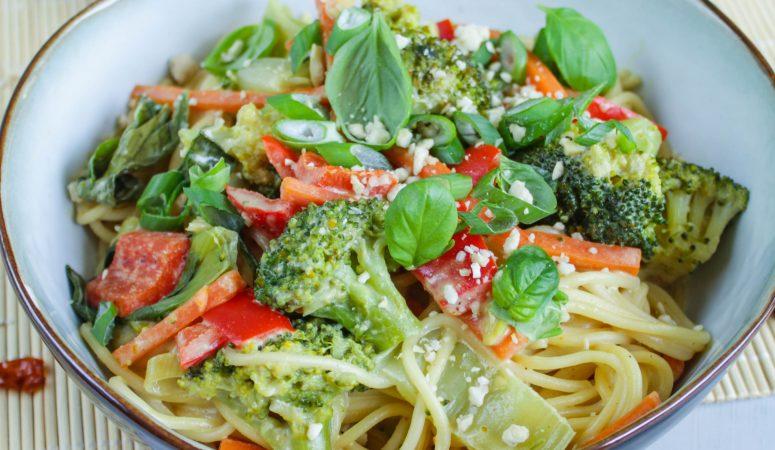 Thai Spaghetti mit knackigem Gemüse