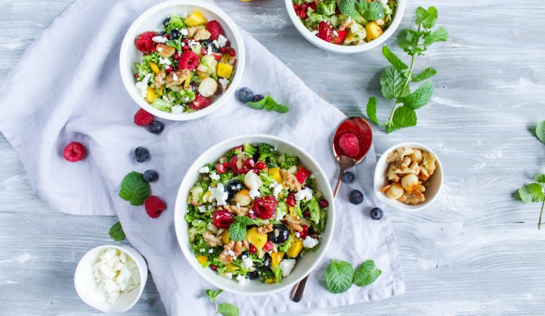 Sommersalat | Brokkolisalat mit Früchten