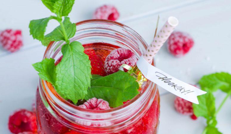 Aperol Berry Spritz