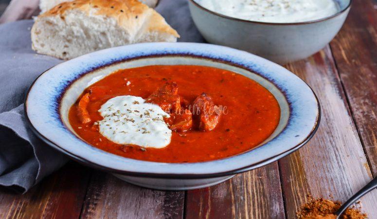 Tomatensuppe mit Gyros und Zaziki