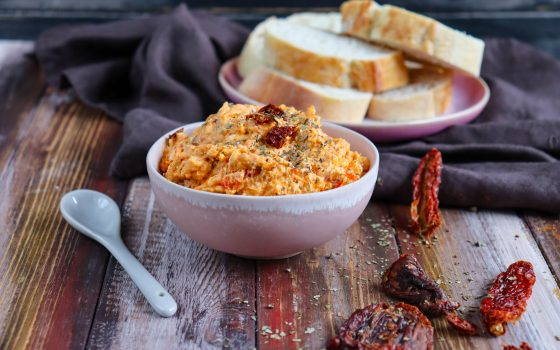 Tomaten-Feta-Dip